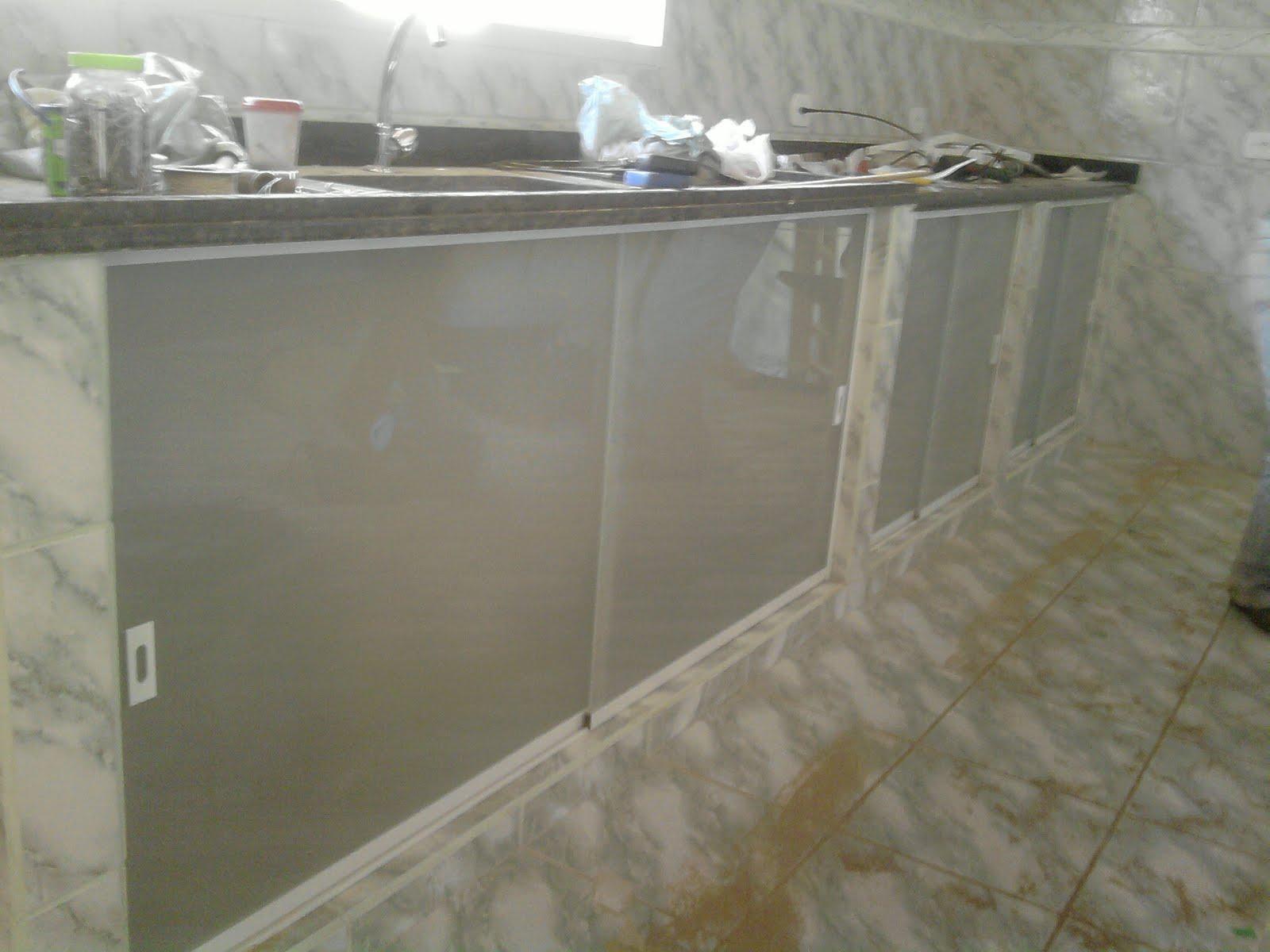 armário de pia porta de alumínio porta de alumínio cor #5C5038 1600 1200